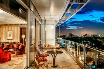 081-St-Regis-Luxury-Hotel-Singapore-President-Suite-Balcony