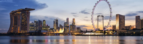 Singapore_skyline_at_sunset_viewed_from_Gardens_by_the_Bay_East_-_20120426