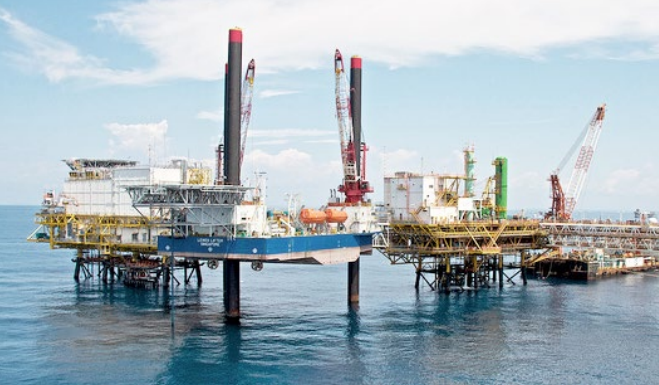 Ezion-Holdings-Limited-has-secured-a-contract-for-one-of-its-service-rigs.