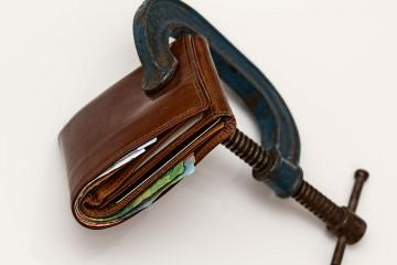 wallet-squeeze