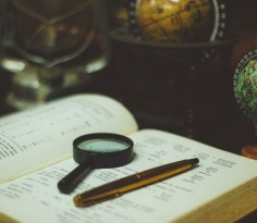 magnifying glass-2