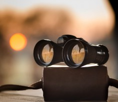 30317-binoculars-and-sunset_1280x869