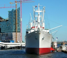 A-docked-ship-at-harbourt