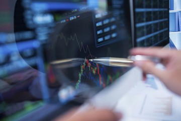 how_mutual_fund_managers_pick_stocks-1